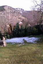 u nás stále pozostatok štvrtkového sneženia na Záhorí