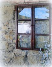 odraz v okne