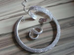 moje náááádherné šperky na svatbu :)