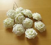mléčně bílé růže ,
