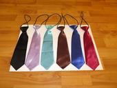 nepoužitá dětská kravata - červená až vínová,