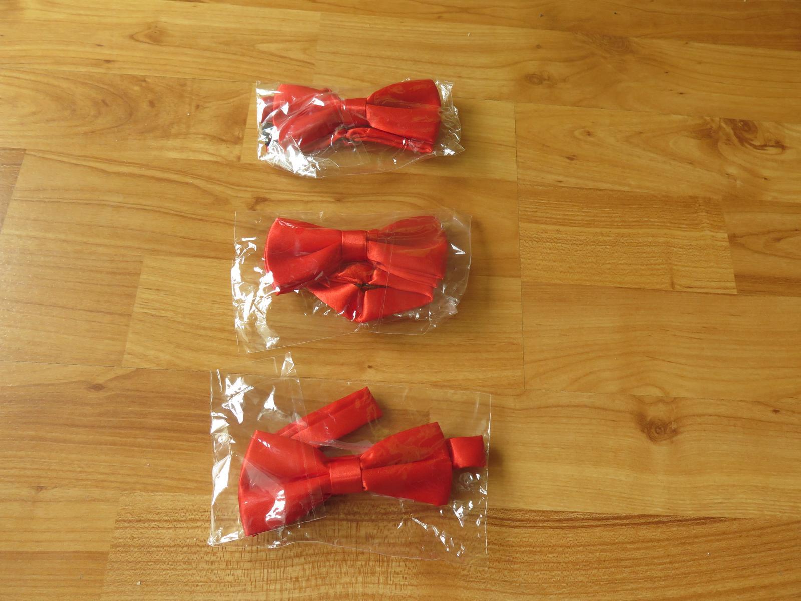 4x nenošený červený dětský motýlek - Obrázek č. 1