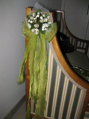 Predpripravy na 8.8.2009 - a uz sa pracuje na vyzdobe lavis....dakujem mami :)