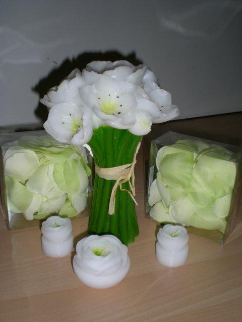 Predpripravy na 8.8.2009 - tak tieto sviecky a lupienky na stol uz mam