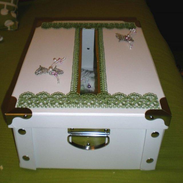 Predpripravy na 8.8.2009 - krabica na obalky so zelaniami