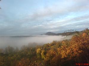 Dnešní ráno,pod mlhou je řeka