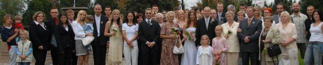 všichni svatebčané pohromadě