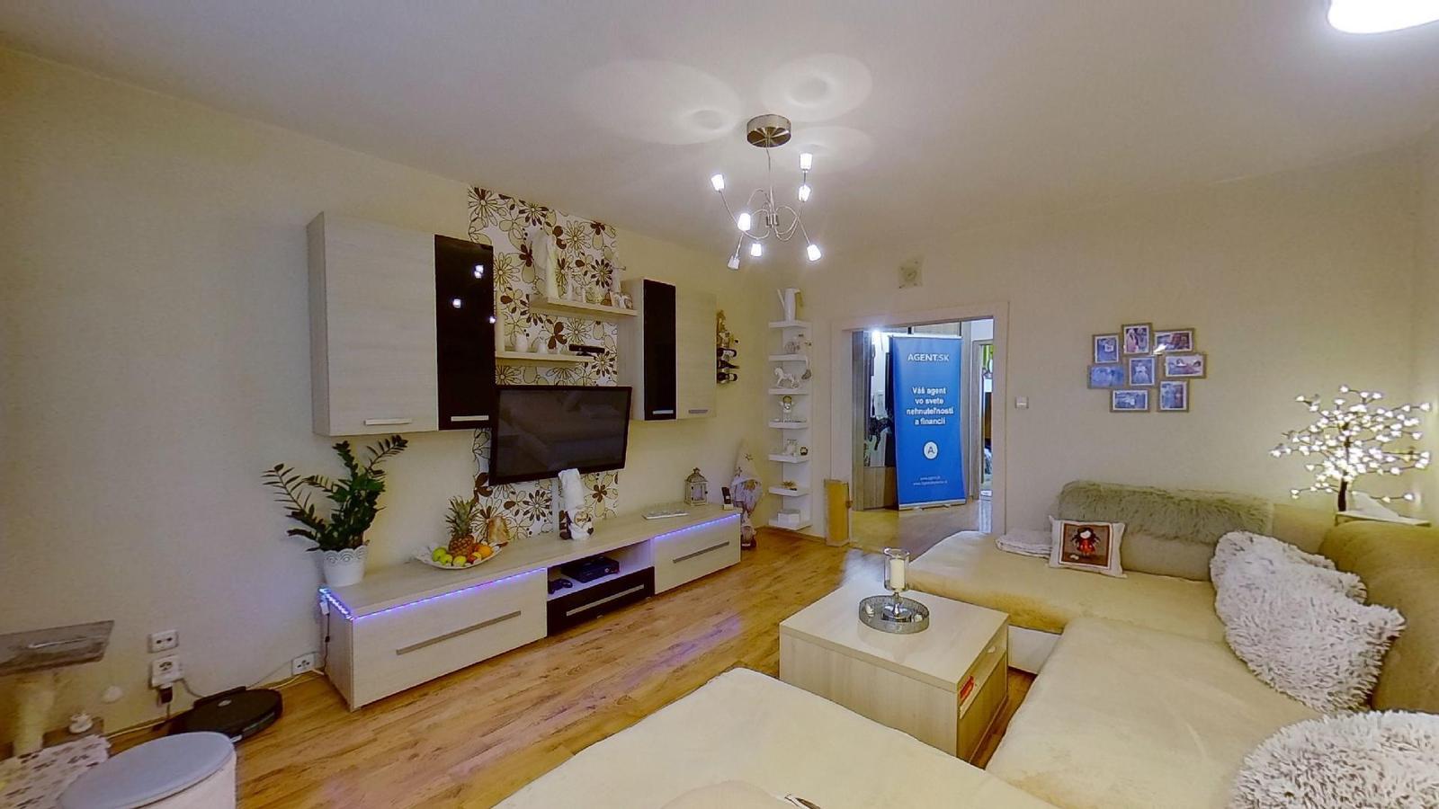 Zmodernizovaný 3-izbový byt v Čadci +421 918 127 259 - Obrázok č. 1
