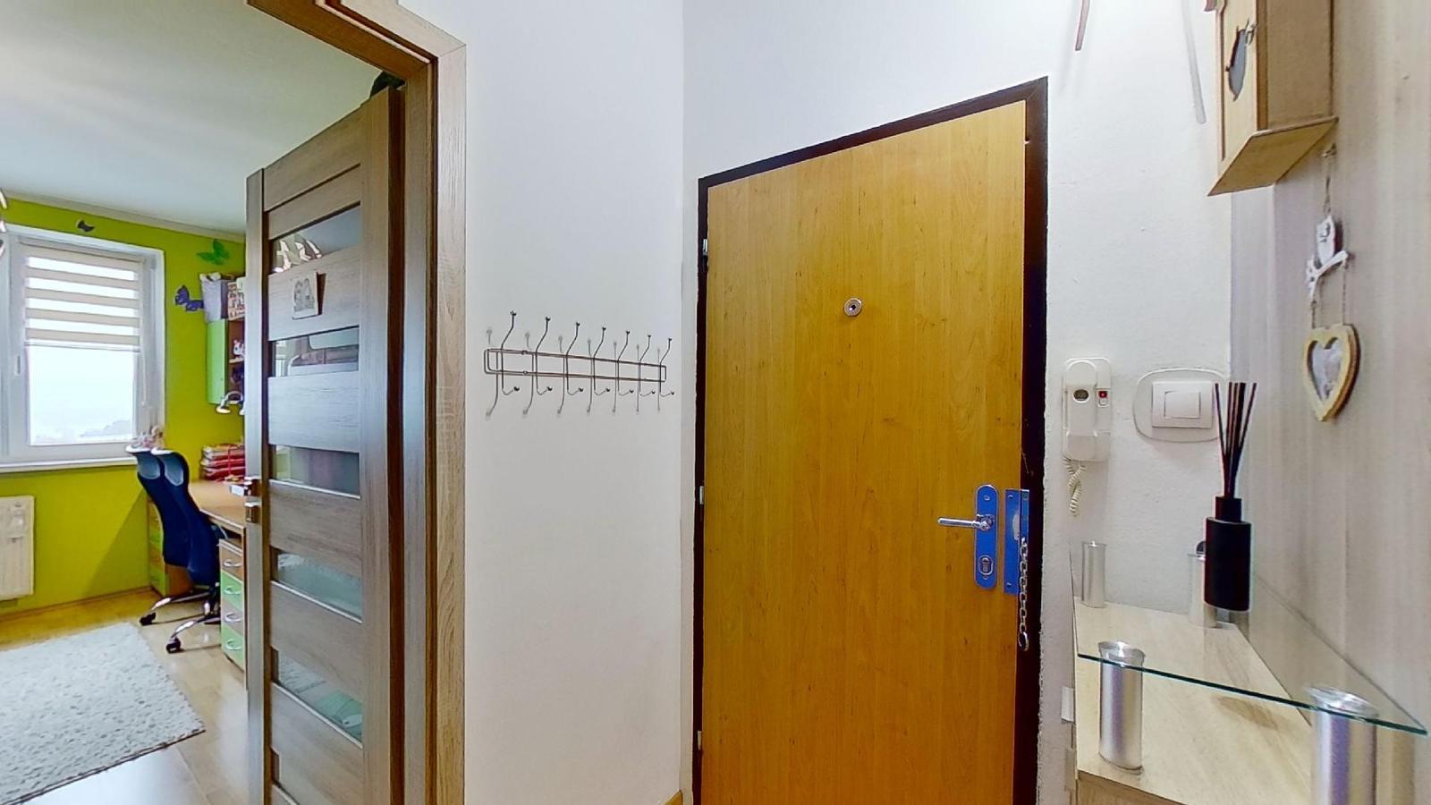Zmodernizovaný 3-izbový byt v Čadci +421 918 127 259 - Obrázok č. 3
