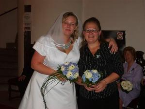 S mou svědkyní a dlouholetou a nejlepší kamarádkou.26 let co se známe...To to letí!:-)