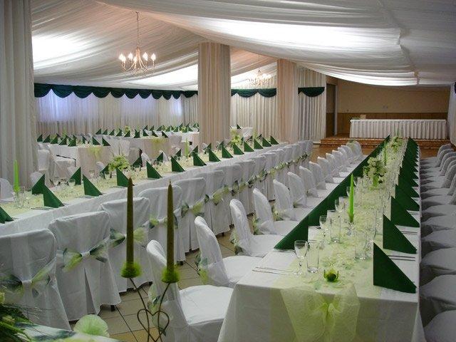 Žabkovo zelená...29.09.2007 - túžime po zelenej svadbe- a toto ja predstava sály