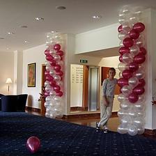 balonova vyzdoba na stlpoch