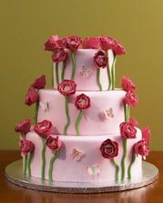 naša povodná predstava o svadobnej torte...