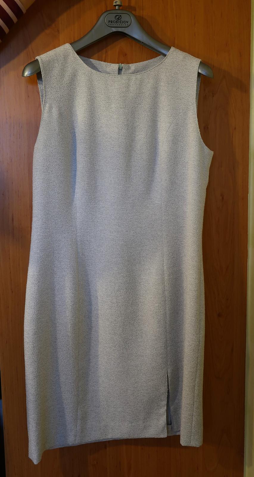 Sivé púzdrové šaty so sakom - Obrázok č. 3