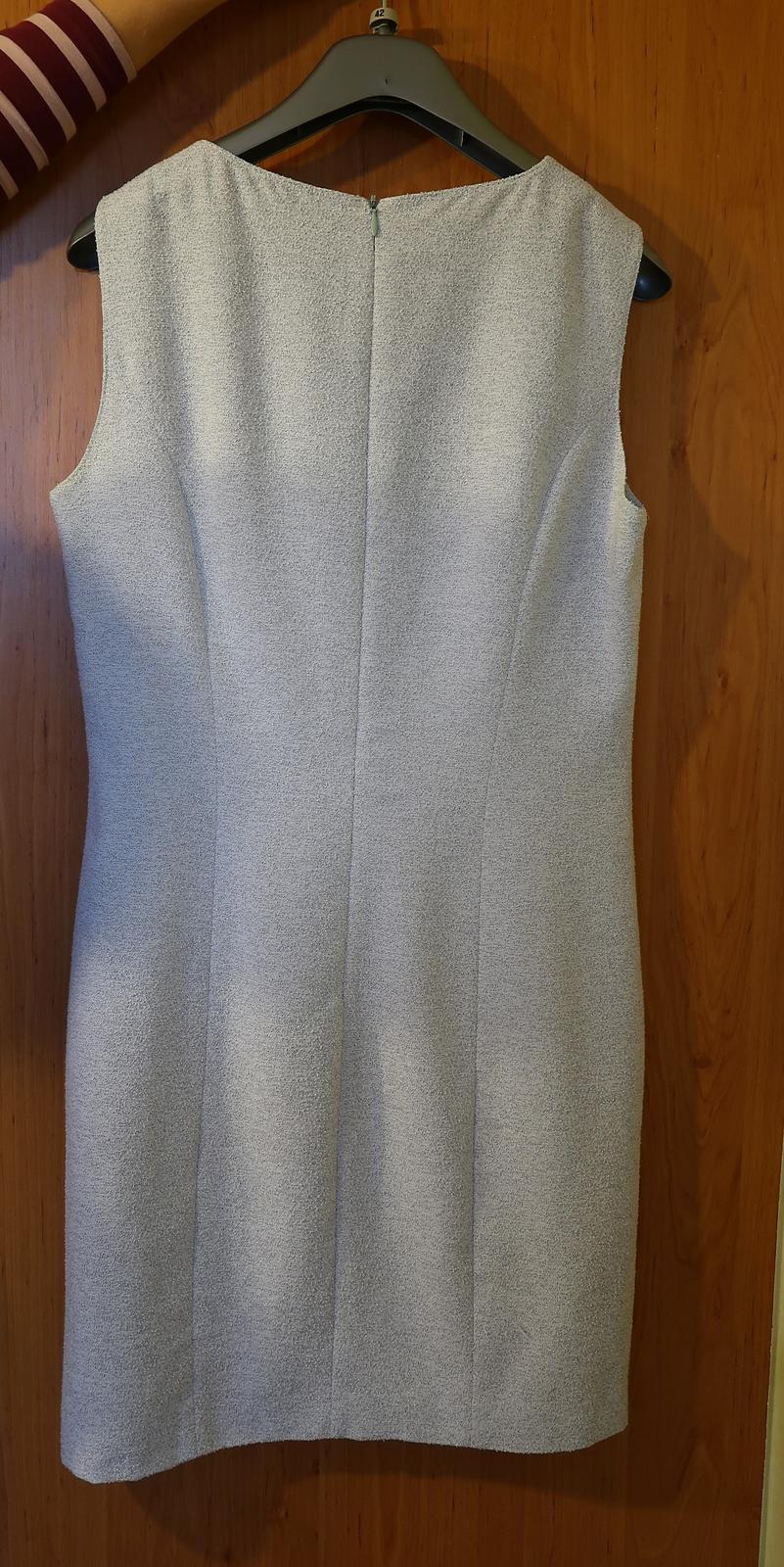 Sivé púzdrové šaty so sakom - Obrázok č. 2
