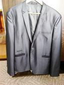 Zaujimavy oblek, 44