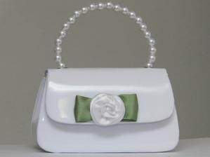 Od své budoucí švagrové jsem dostala tuto svatební kabelčičku. No není roztomilá?