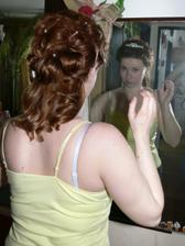 ....a pak už pohled do zrcadla....skoro bych se nepoznala :o)