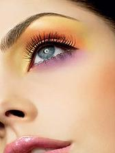 make-up nádherný ale nie na svadbu ale nevadí možno inokedy