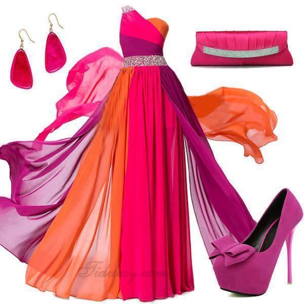 Moje ružové predstavy :) - Kráááásne topánočky len keby boli slabo ružové ;) ..... a tie šaty tiež niesú na zahodenie ;)