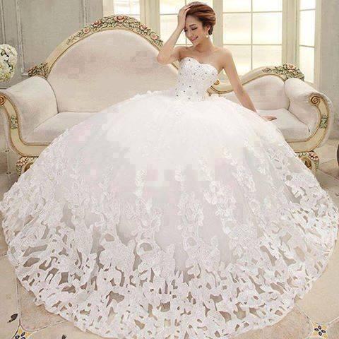 Moje ružové predstavy :) - Veľmi krásne princeznovské šaty :) http://www.aliexpress.com/item/W-10-Bride-Wedding-Dresses-Beatiful-Red-4-Size-Sleeveless-Elegant-Sweet-Princess-Wrapped-Chest-Ball/1612382302.html tu sa dajú zohnať myslím že za veľmi priateľnú cenu :)