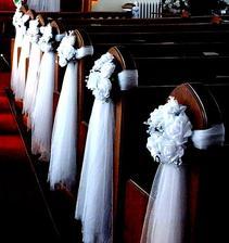 Niečo takéto do kostola len tie kvetinky slabučko ružové ;)