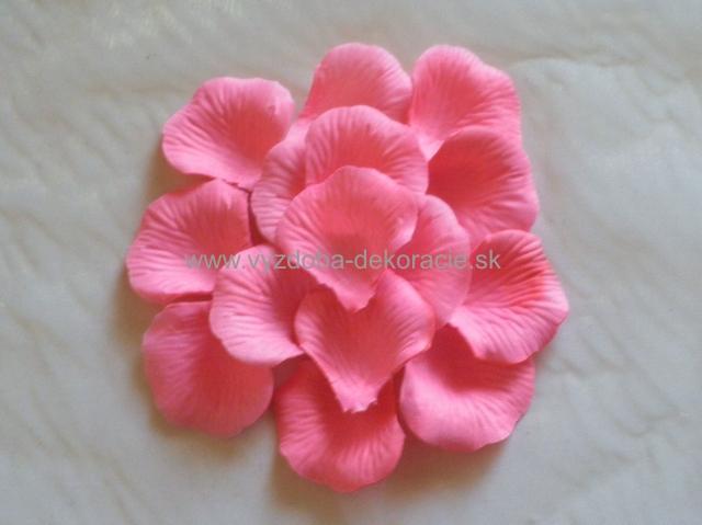 Moje ružové predstavy :) - Veľá lupienkov :3 http://www.vyzdoba-dekoracie.sk/dekoracie/eshop/