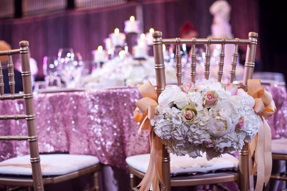 Moje ružové predstavy :) - Žeby takéto niečo na stoličky... :)