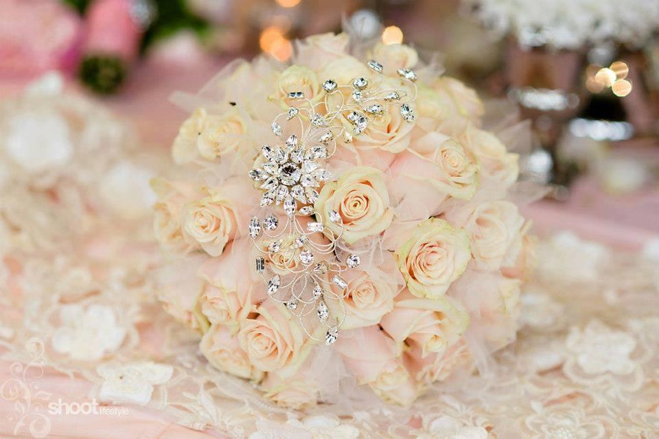 Moje ružové predstavy :) - Krásna kytička :3