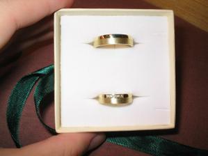 Naše prstýnky, vyrobeny dle obrázku panem Rýdlem - jsou super!
