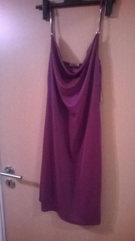 Krátké šaty s odleskem - Obrázek č. 1