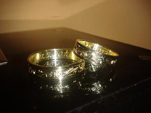 Naše prstýnky už doma