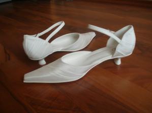 už prišli aj moje topánky - šité na mieru a na diaľku, napriek tomu sadli ako uliate :-)