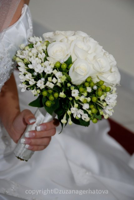 6.6.2009 Banská Bystrica - svadobná kytica krásna