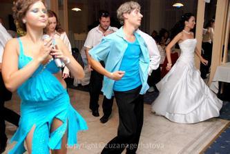 profi tančeníci nás učili tancovať :-)