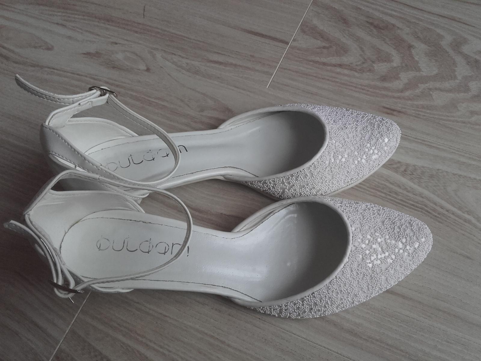 Bílé střevíčky s perličkami, vel. 39, nízký podpatek - Obrázek č. 2