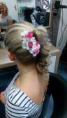 Hřebínek do vlasů s květinami,