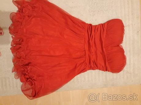 Krátke červené šaty - Obrázok č. 1
