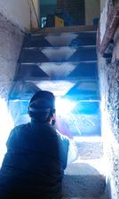 Zváranie nových schodov do pivnice.