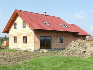 konečně okna, takže už nejsme stavba, ale domeček :-)