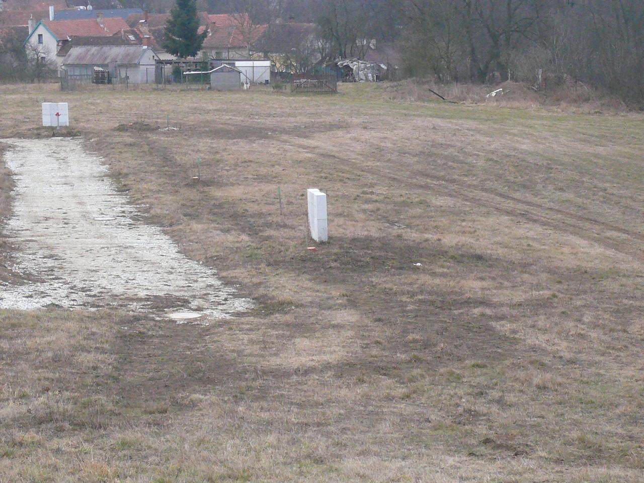 Pasivní dřevostavba na betonových patkách S. Hoštice - Obrázek č. 1