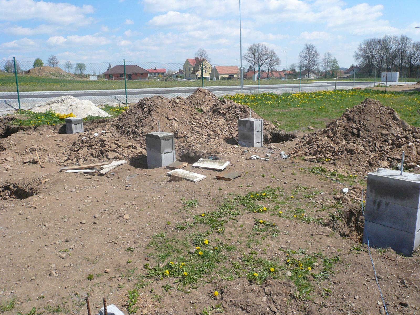Pasivní dřevostavba na betonových patkách S. Hoštice - Obrázek č. 6