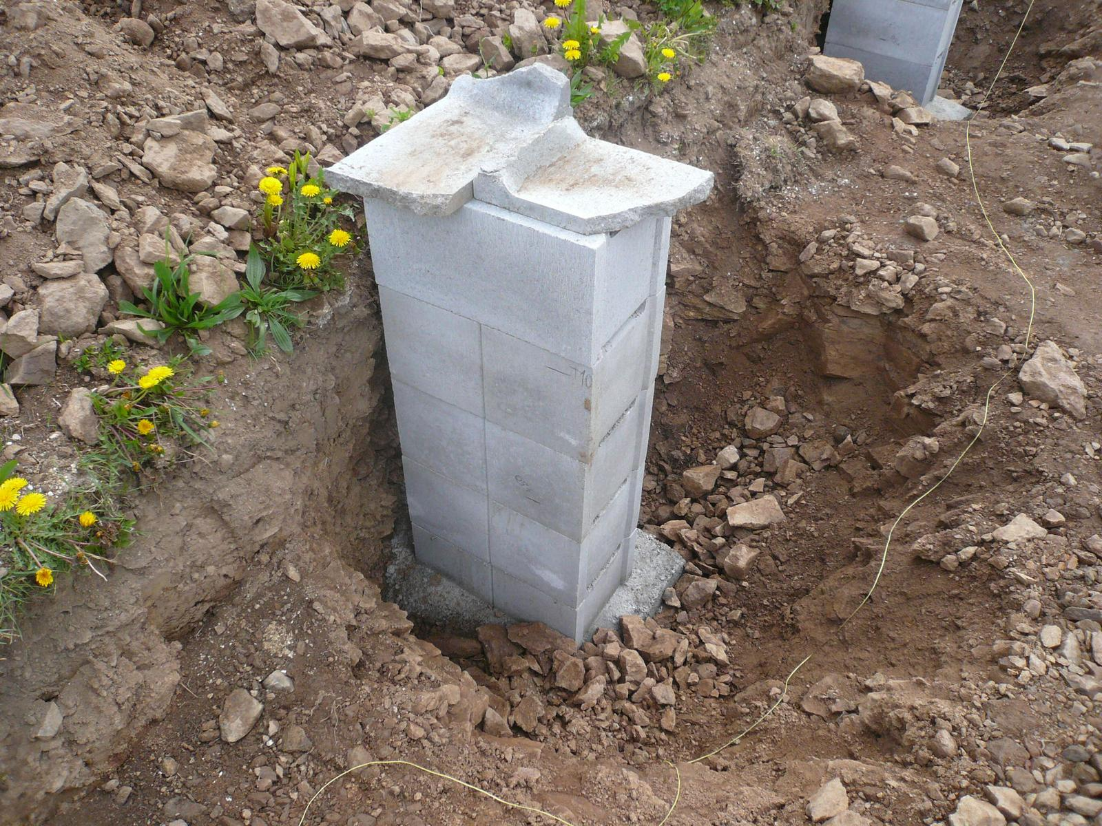 Pasivní dřevostavba na betonových patkách S. Hoštice - Obrázek č. 7