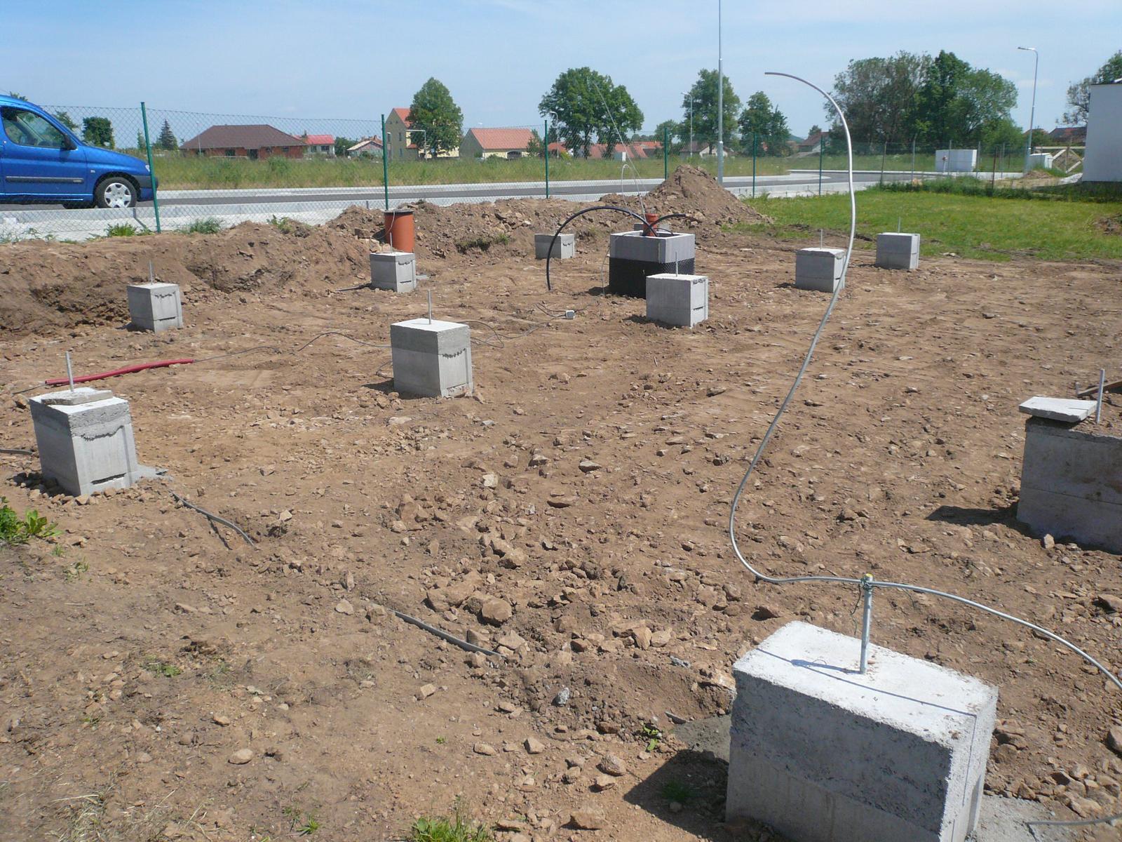 Pasivní dřevostavba na betonových patkách S. Hoštice - Obrázek č. 10