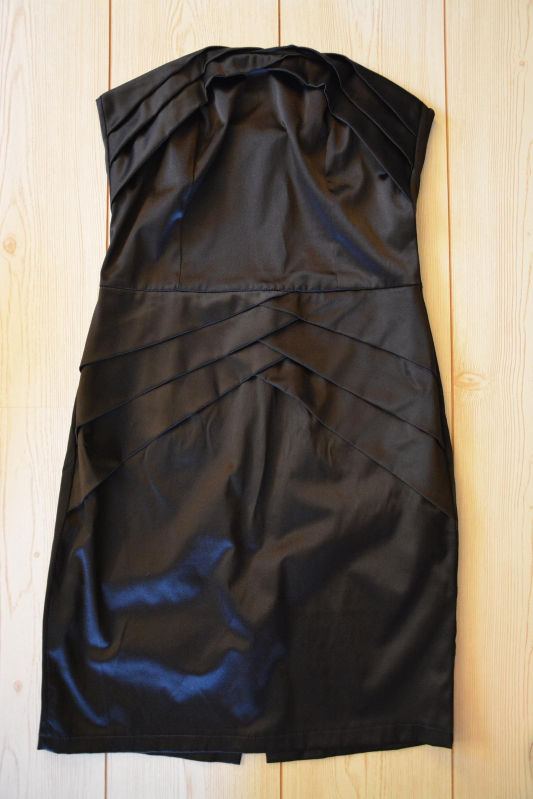 Pouzdrové šaty - Obrázek č. 1