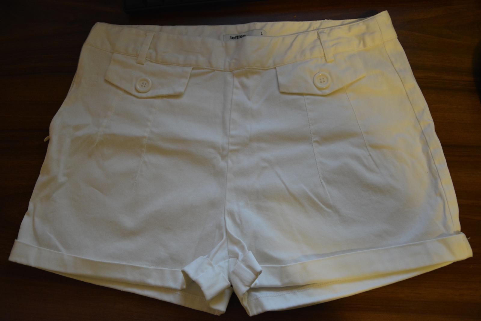 Bílé kraťásky značky LEFTIES - Obrázek č. 1