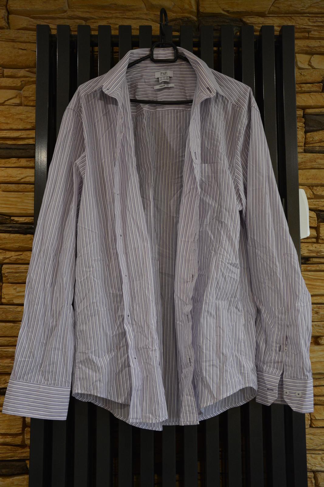 Bílá košile s fialovým proužkem - Obrázek č. 1