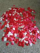 srdiečkové konfety 3 farieb,
