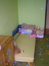 Od okna pohled zpatky, no postel zatim neni, tak jen takovehle lezeni, leva zed