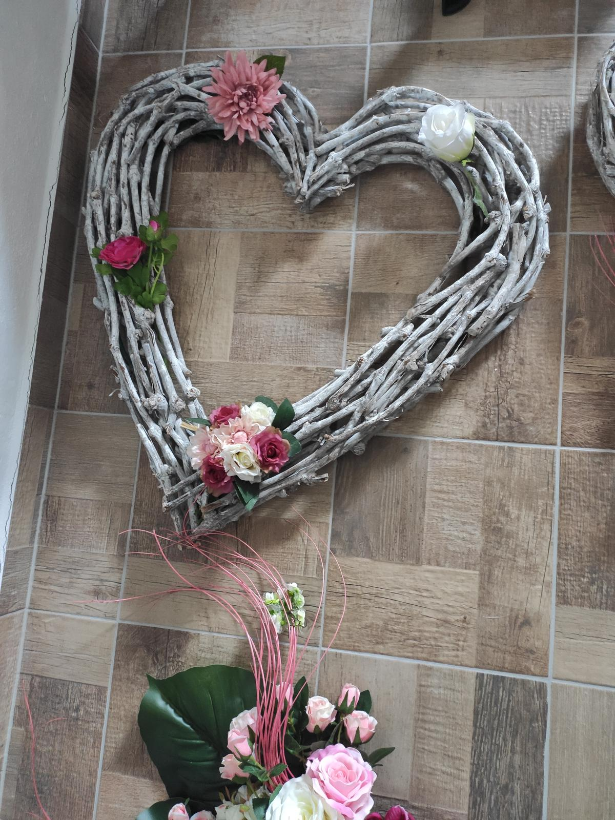 Výzdoba na růžovou svatbu - Obrázek č. 1